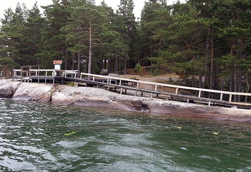 Tillgänglig spång på Grönön, Norra Vätterns skärgård. Foto: Anna-Karin Roos