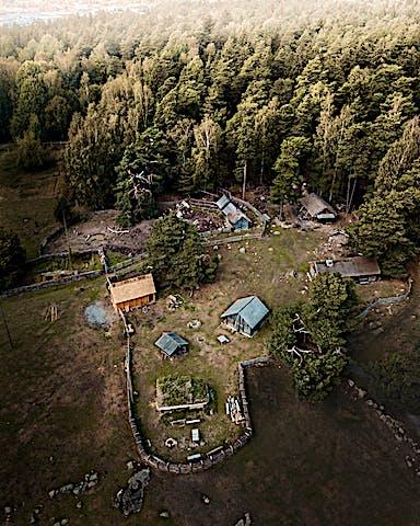 Flygbild på Vikingagården Gunnes gård.