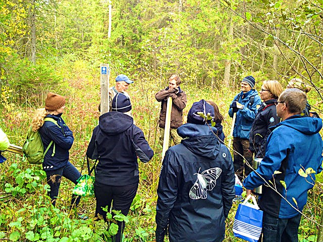 Kurs i gränsmarkering i Gullunge naturreservat, Monica Johnson