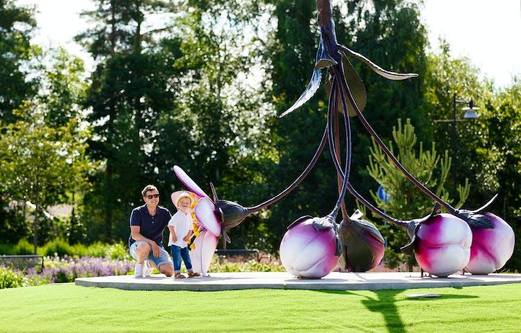 """Konstverket """"Det lilla är det stora"""" av Niklas Mulari. Foto: Hanna Maxstad."""