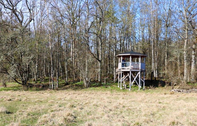 Utkikstorn byggt i en åttkant.