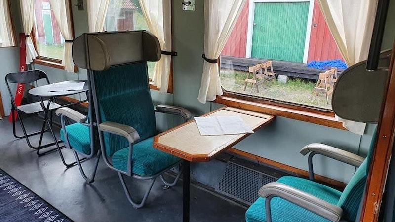 Joytrail. Train accommodation and Café