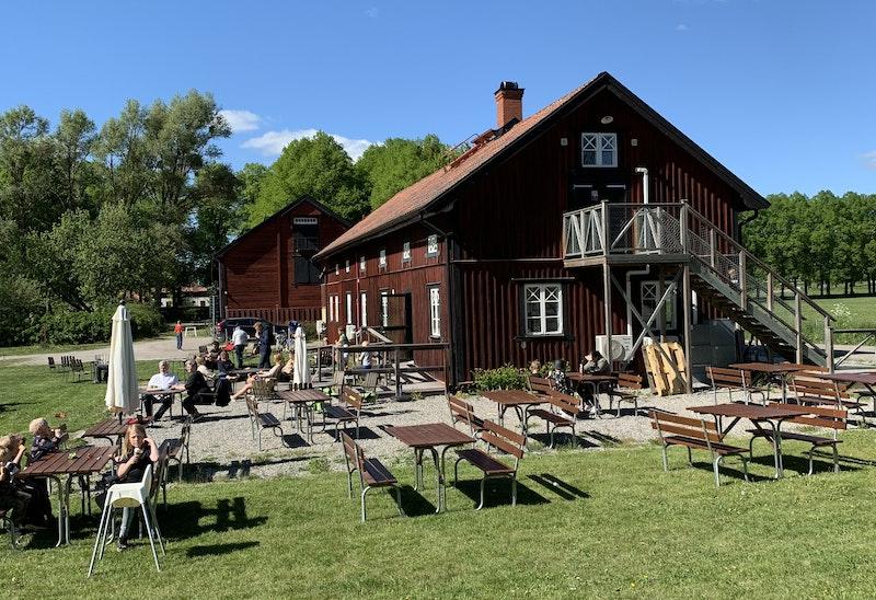 Gäddehoms Cafe är ett populärt besöksmål på sommaren.