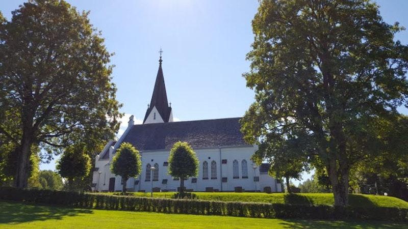 Edsleskogs nya och gamla kyrka